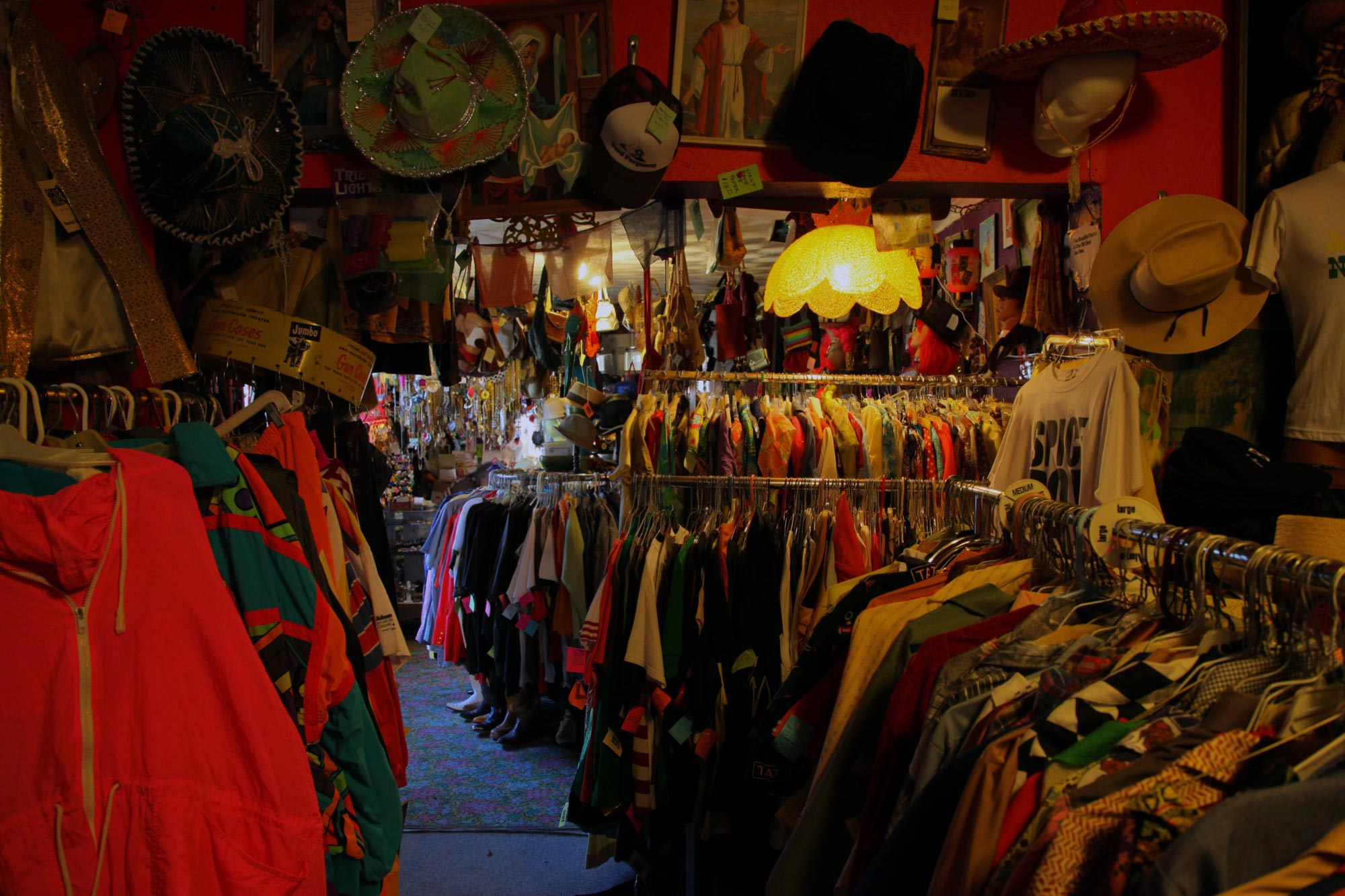 Clothing Stores in Downtown Dallas, Dallas, TX with Reviews